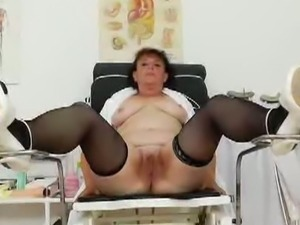 Head nurse uses gyno-utensils to masturbate