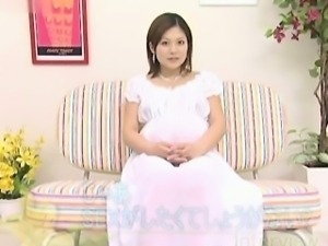 Pregnant asian babe sucking on a dick