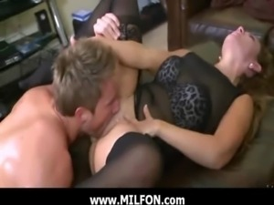 Hunting a very sexy Milf mommy 2 free