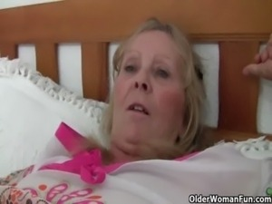 Granny with big tits gets finger fucked by photographer free