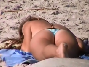 caught rubbing fat pussy at beach, crotch shot spy 164