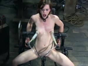 BDSM sub pussy toyed by dildo machine