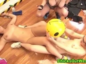 Real lesbian amateurs exercising