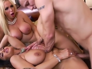 Hot wives lisa ann and nikki benz sharing a big dick
