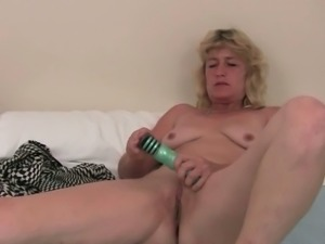 Older Woman Fun: Horny mature in hot solo scene.