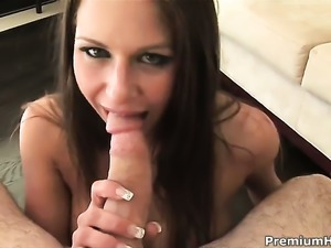 Rachel Roxxx enjoys throbbing cock in her mouth