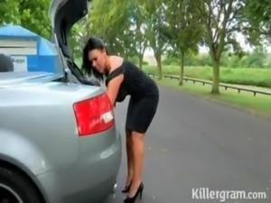 milf solita en la carretera | ver mas videos aqui http://videosxxx.mooo.com/1...