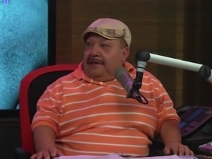 chuy quizzes the hot babes @ season 15 ep. 714