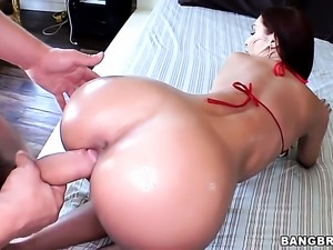 Redhead Amy Reid is taking it real good