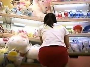 Japanese Girls Close-up Panties Pursuit