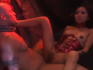 Threesome with cum swapping