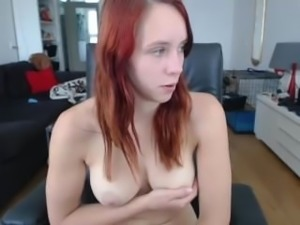 Melissa191 masturbates and gets a facial