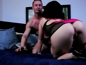 Belle Noire milks man meat with her hot mouth