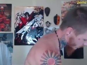 Straight Uncut Hung N Tatted Dude Blows His Huge Nut