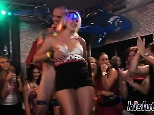 Sexy babes pleasure dicks at the party