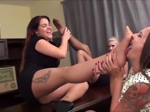 3 girls foot fetish
