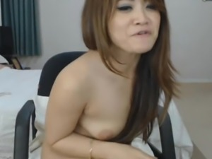 Asian Fitness Babe Masturbate on Cam
