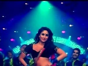 Kareena Kapoor Slo Mo Shaking