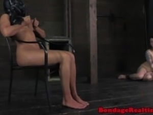 Bigtit submissive panicing in a gasmask