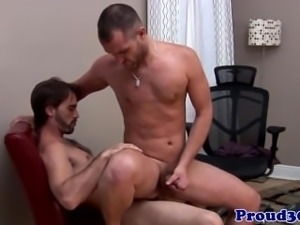 Mature muscle assfucked before cumming