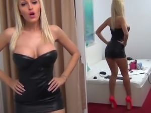 Lether and High-Heels Camgirl