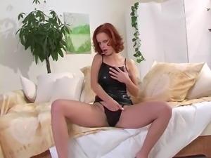Renata Daninsky hot redhead do it herself