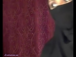 Arab Egypt Wife In Hijab Being Naughty