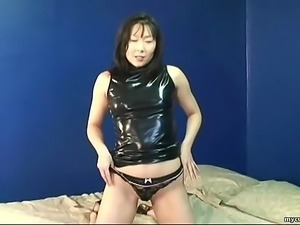 Asian mature slut getting real randy on her o