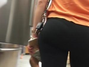 Thick and Juicy Candid Ass