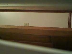 voyeur masturbation salle de bain