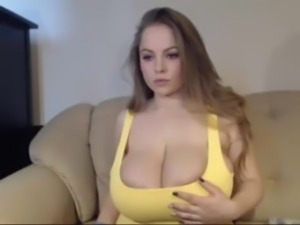 Big titted curvy woman masturbate on cam