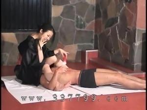Japanese femdom K enjoy the slave in hot wax