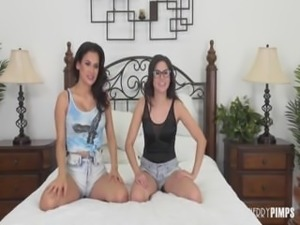 shyla and vanessa having some lez fun on cam OMEGLE