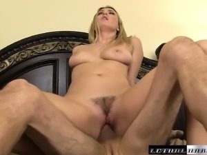 Curvy Natalia Starr gets down on her knees to pleasure her lover