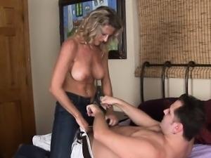 Mature playgirl does some hawt tricks with hard boner