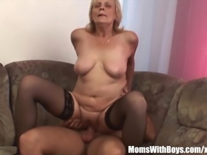 Blonde Old Mama In Stockings Shaved Pussy Fucked
