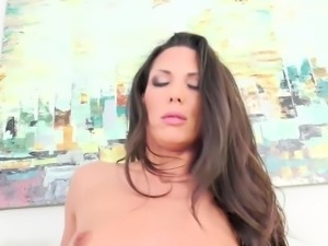 Hot babe Alexa Tomas swallows after a fucking