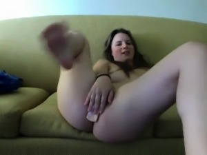Horny chick wants to have her boyfriend pound her pussy on