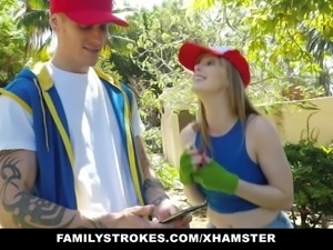 familyStrokes- Misty Look-alike Blows brother For POkemonGo