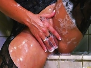 Holly Halston want a huge cock