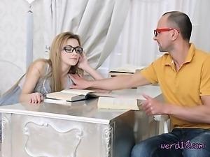 Cute Nerd Mary Gets Serviced By Geek Boyfriend