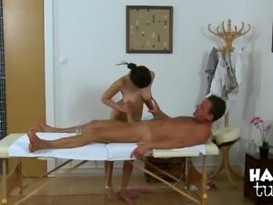 Bosomy Thai hottie sucks white massive cock in massage parlor
