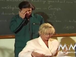 Kelly Trump is the Anal Teacher