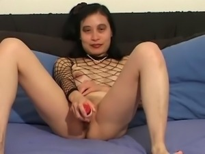 Solo model with natural tits drilling her pussy with a nice toy