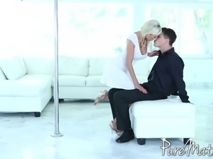 Blonde with beautiful curves getting screwed by her hung partner