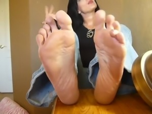 BARE FOOT & Mature Feet 124