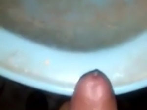 Egyptian Wanks and cums in Cairo Dirty Sink