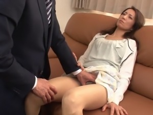 Japanese slut screaming like mad as she gets penetrated