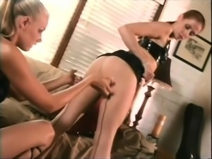 Sultry babe with long legs Nicole Sheridan explores her fetish fantasy