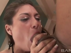 Cock hungry brunette bitch Tabatha Tucker gave sloppy BJ to her guy